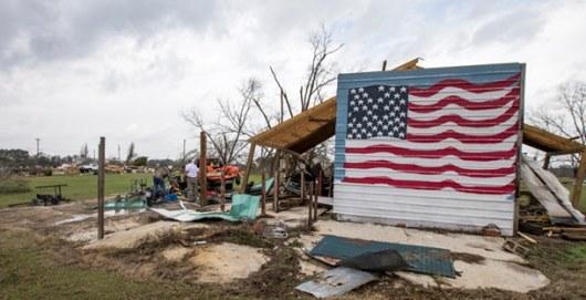 Торнадо прошел поюгу США иубил 15 человек